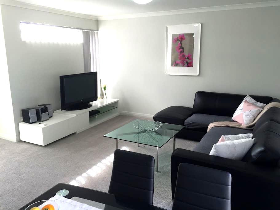 As new upper floor apartment - Hamersley - Apartment