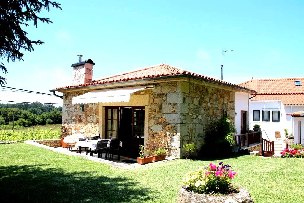 Country House close Moledo beach - Cristelo - Huis