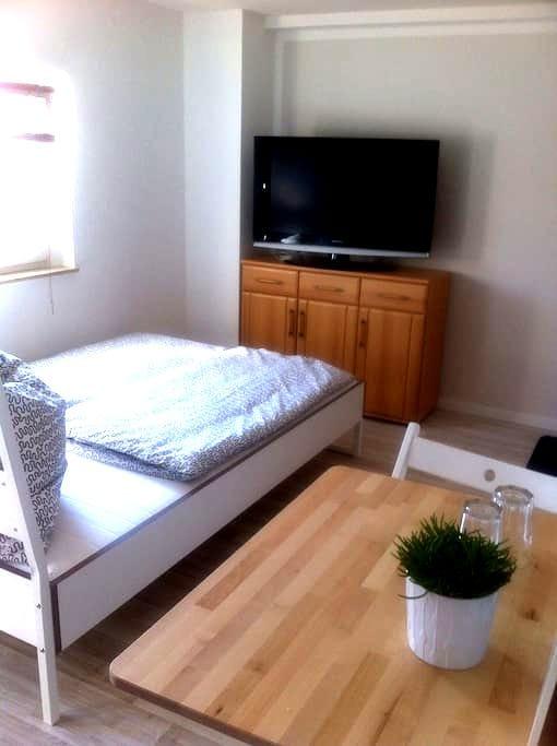 Gästezimmer Limbach - Oberfrohna - Limbach-Oberfrohna - Apartament
