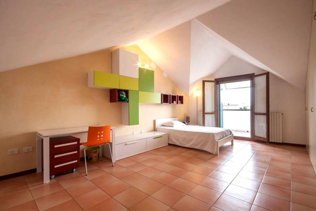 Spaziosa mansarda in casa a schiera di 150mq - Padua