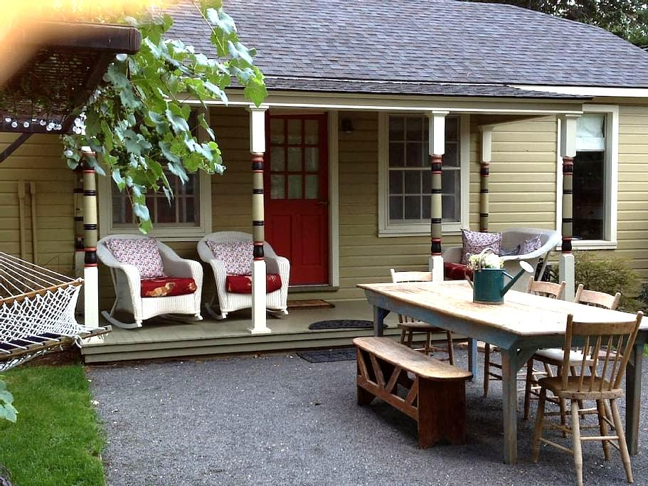 Cottage studio in downtown Paonia - Paonia