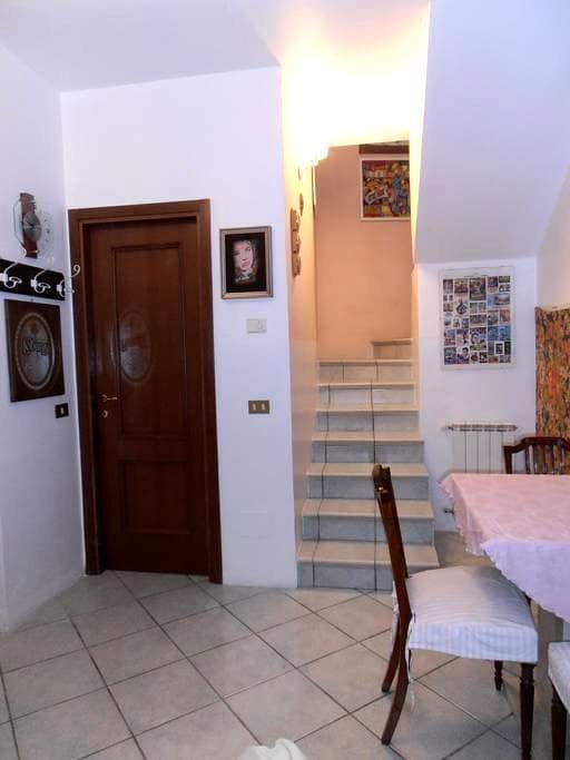 Appartamento indipendente - Corticelle Pieve - Lejlighed