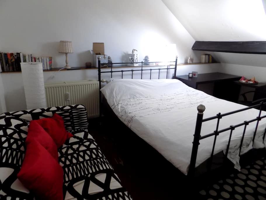 Chambre (petit studio) à louer - Namur - Szeregowiec