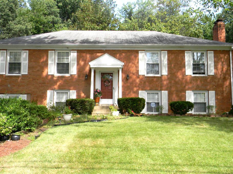 Quiet suburb of Washington, DC - (Alexandria, VA) - Alexandria - House