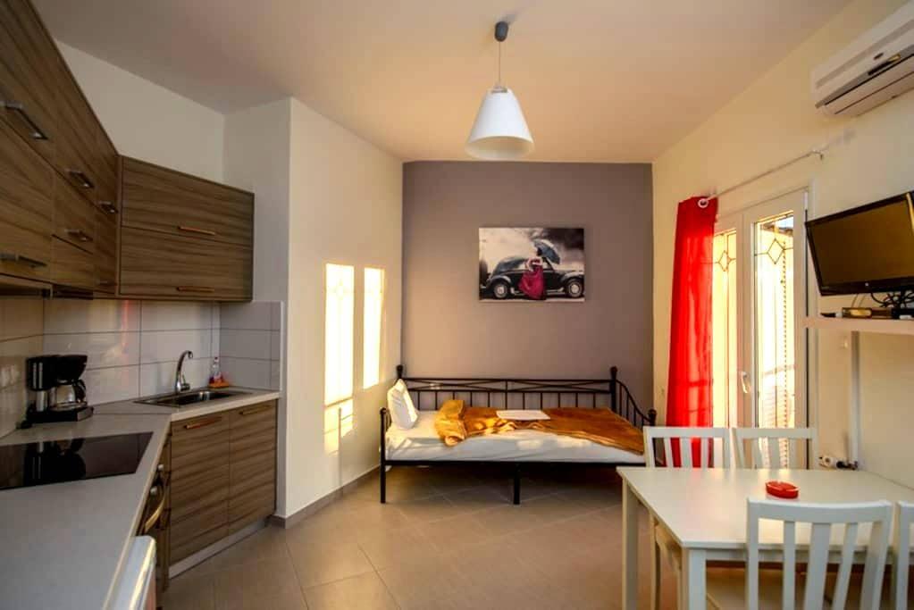 Milos:Purple apartment - Καλαμάκι - Apartmen