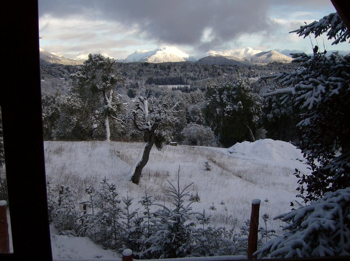 Los cerros y la Villa en invierno