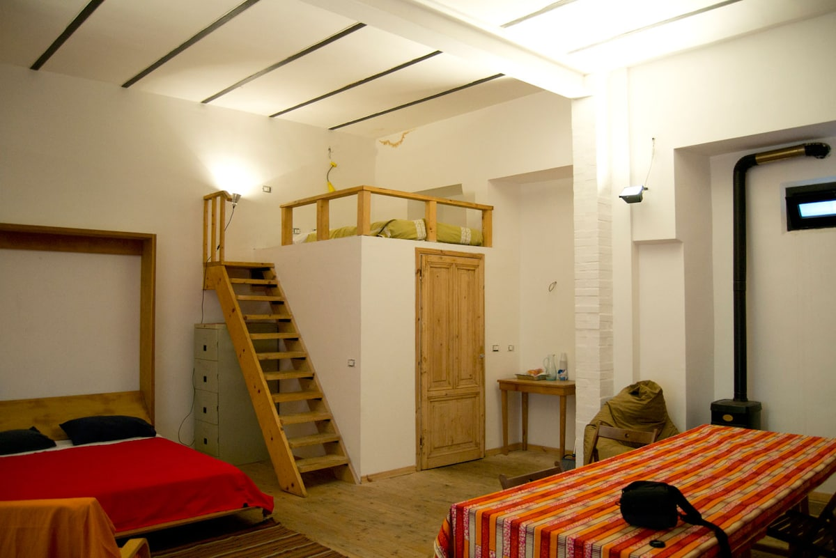 Open space loft in traditional Roma