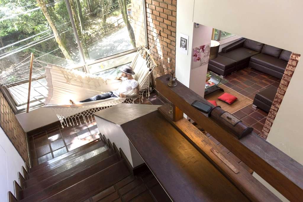 Maravilloso Luminoso Dúplex con Baño Privado - Medellín - Loft-asunto