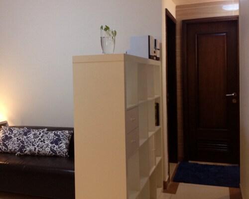 The corridor into sleeping room and bath room
