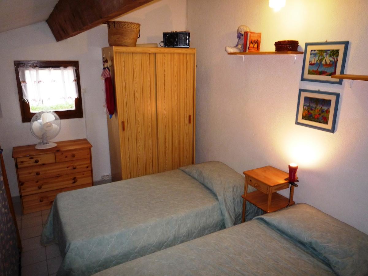 Mezzanine avec deux lits simples 80 cm