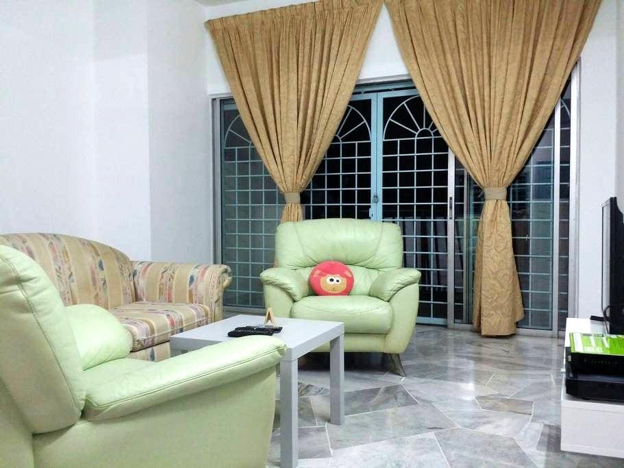 Bee's home @ Puchong (near to Sunway Lagoon) - Puchong - Appartement