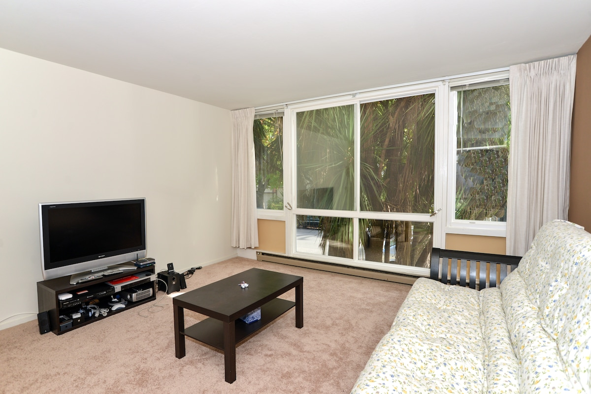Comfortable living quarter with full-size window to enjoy a peaceful stay!