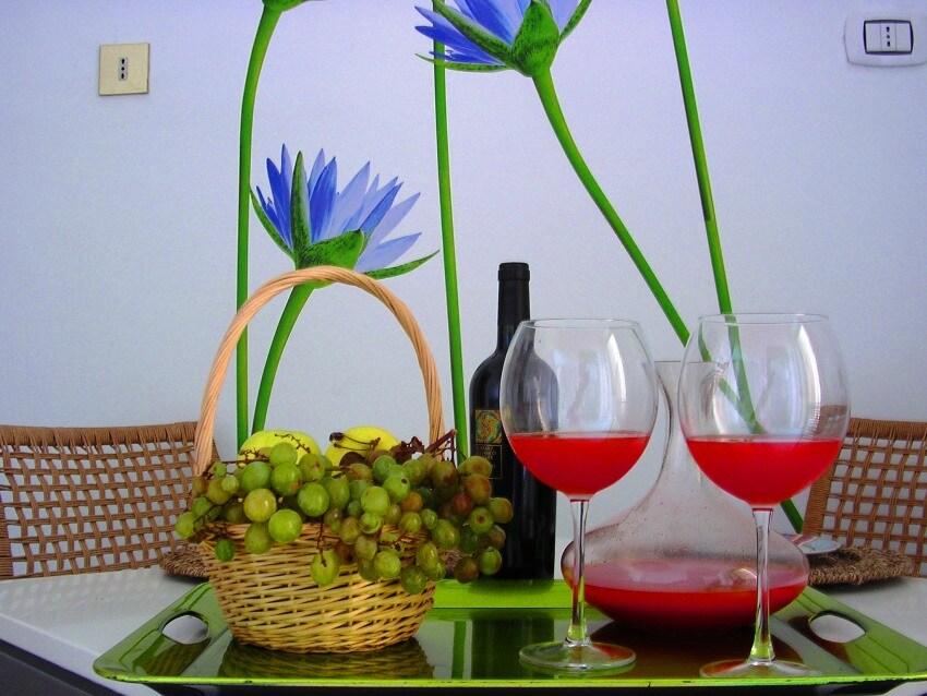 camera da pranzo con cucina - dining room with kitchen