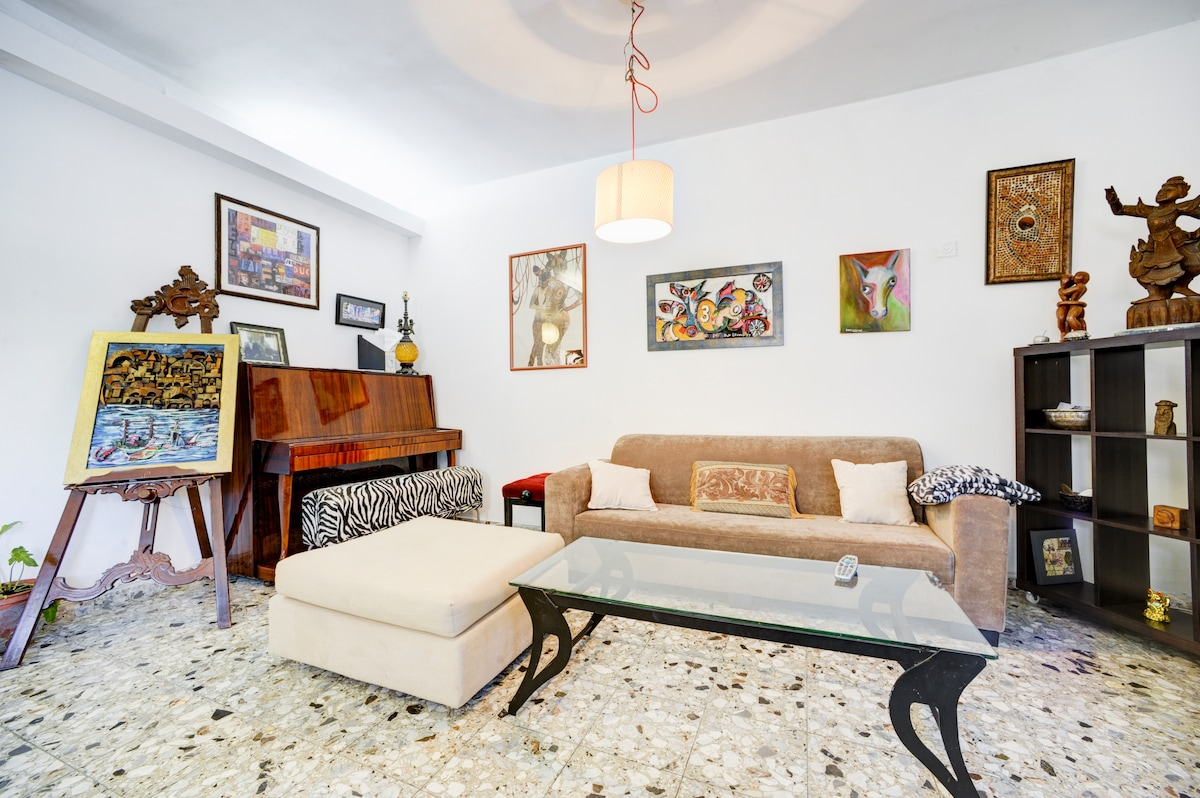 2 BED APT-THE ULTIMATE TLV LOCATION