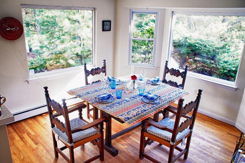 Eat in kitchen table