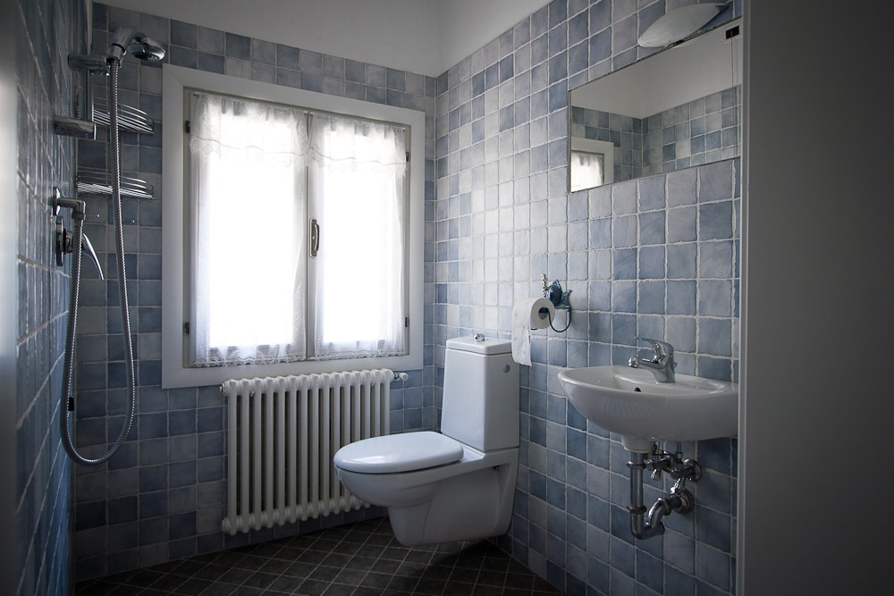Bagno in camera, con doccia.