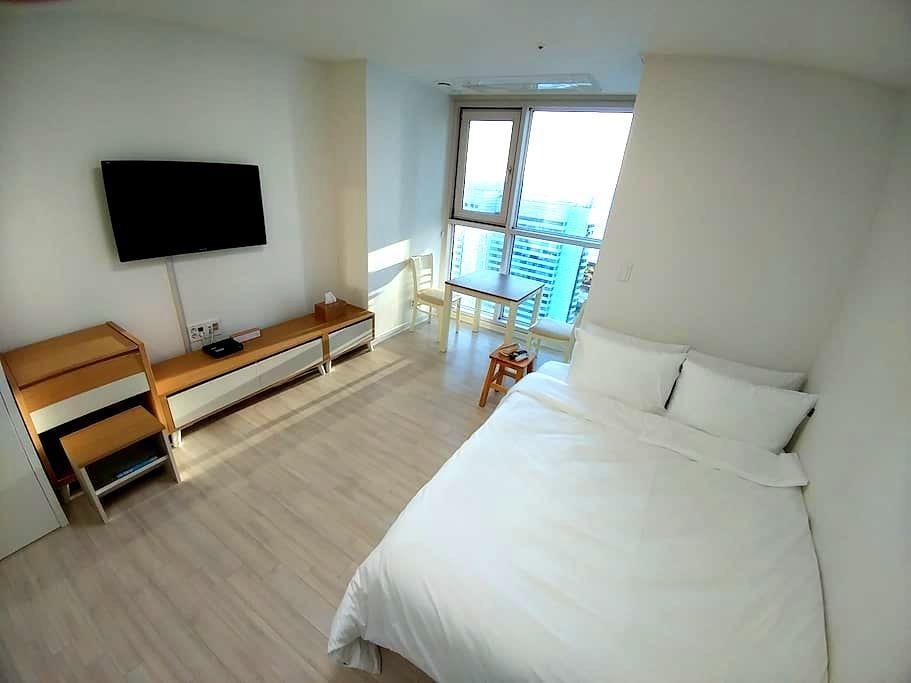 Haeundae Ocean View, Metro 3mins!! - Haeundae - Apartment