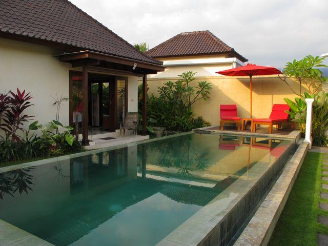 Luxury private pool villa in Seminy