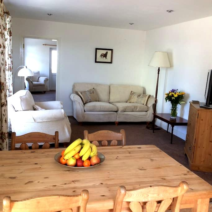 Converted stables in rural setting - Kingsbridge - Rumah