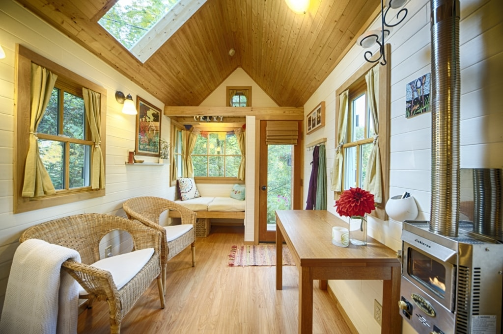 Bright Cozy Tiny House on the Bay Cabins for Rent in Olympia