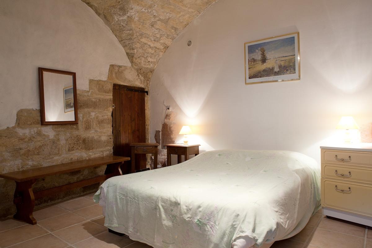 Ground floor cave bedroom