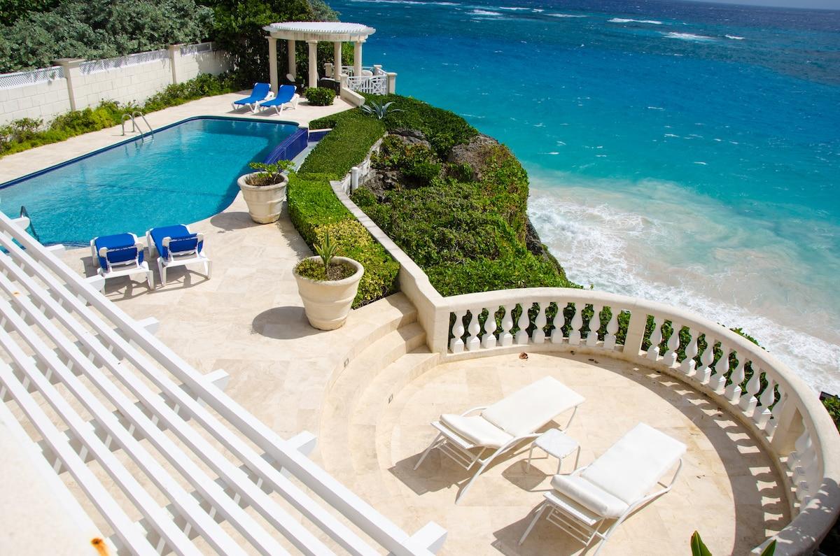 Spectacular Ocean Front Luxury Vila
