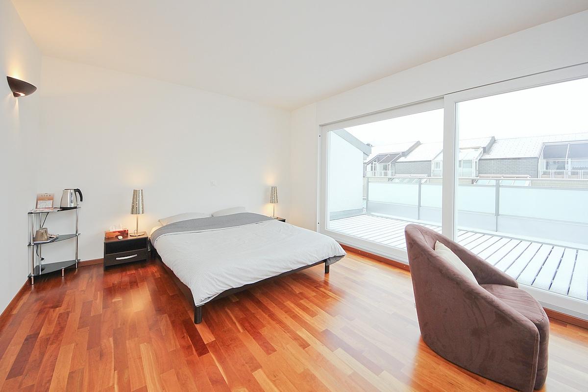 fantastic bedroom / center of Sion