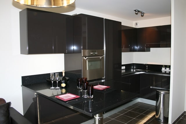 Contemporary fully equipped kitchen