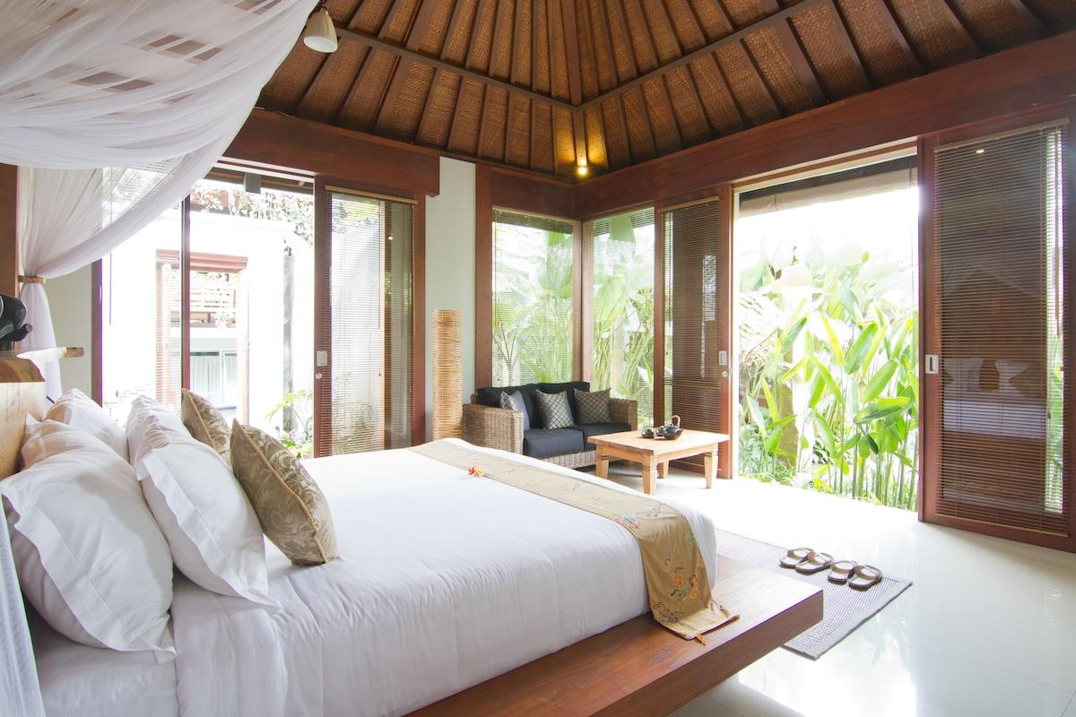 Swarapadi Villa Ubud Suite Bedroom