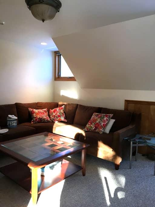 Studio, pet friendly, river views, Jackson NH - Jackson - Apartment