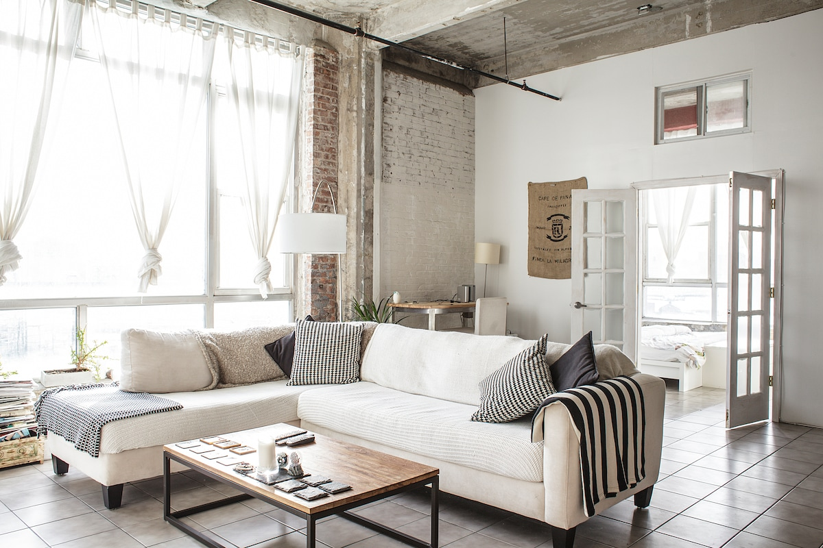 Spacious and Light Brooklyn Loft