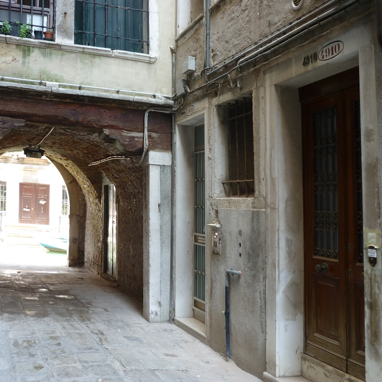 Entrata B&B Calle del'Arco 4910