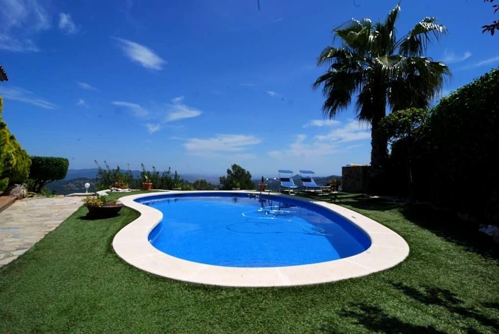 Casa de montaña con vistas espectaculares - Corbera de Llobregat - Casa