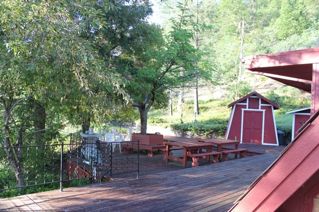 Very large wrap around deck great for entertaining - relaxing