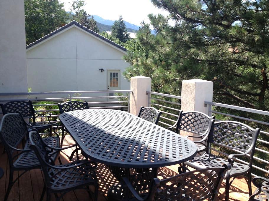 Amazing View over Colorado Springs - Colorado Springs
