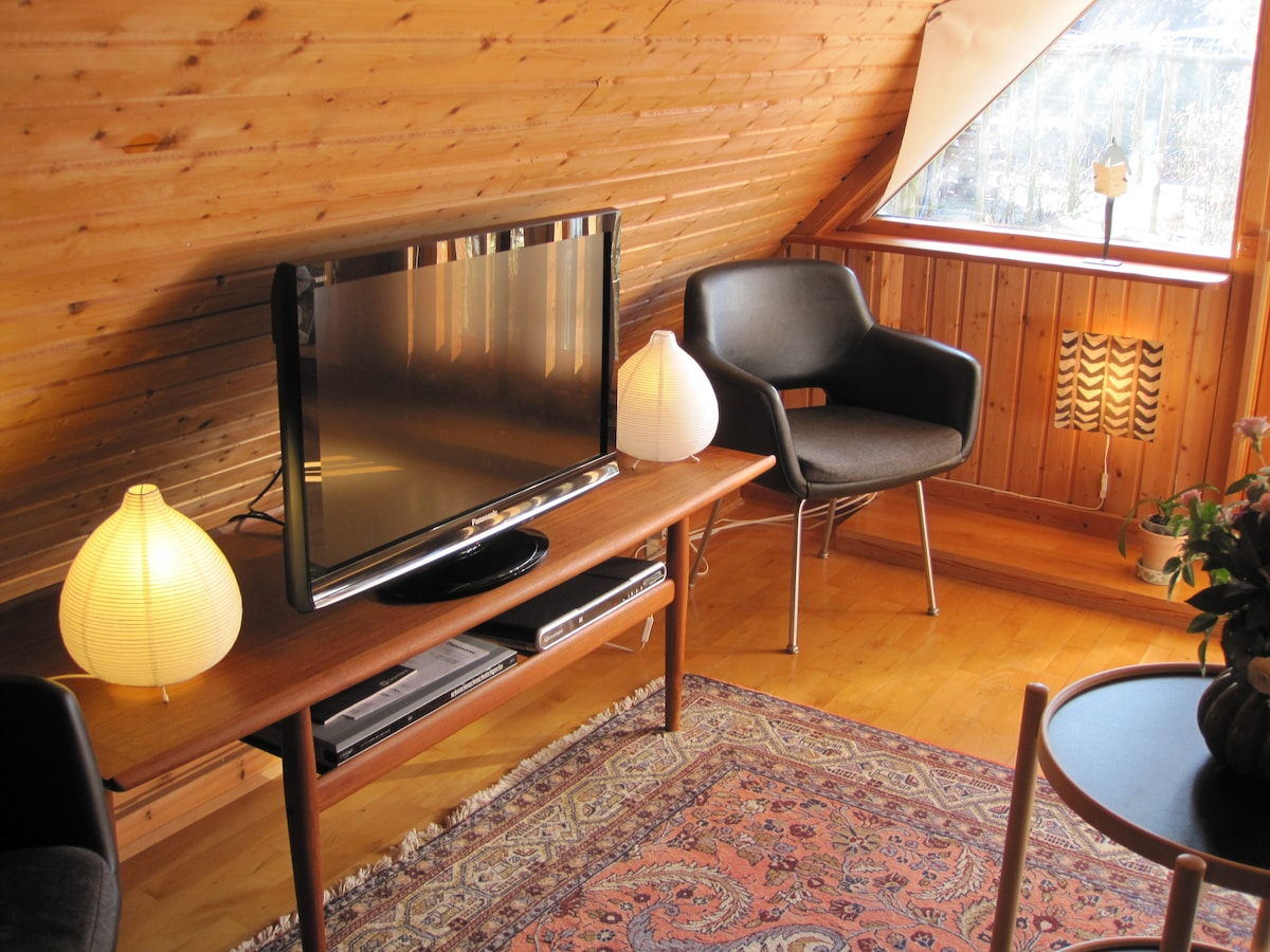 The BB-House - Double room with space for one extra bed. Free WiFi and free coffee/tea.