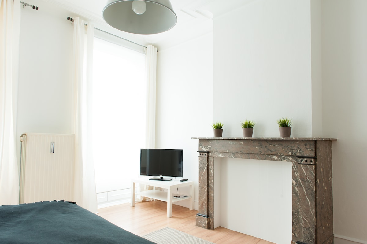 ONE BEDROOM CITY CENTER APPARTMENT