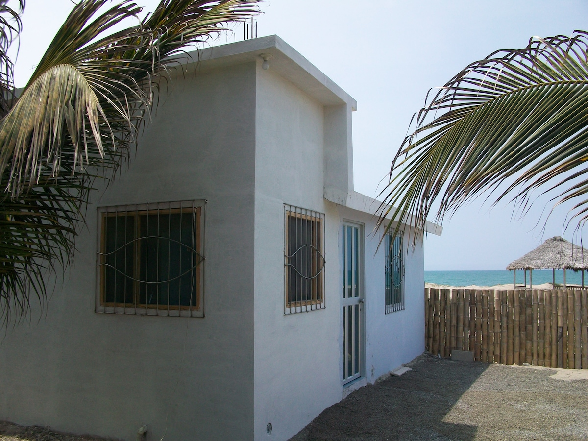 BEACH & POOL FRONT FURNISHED VILLA