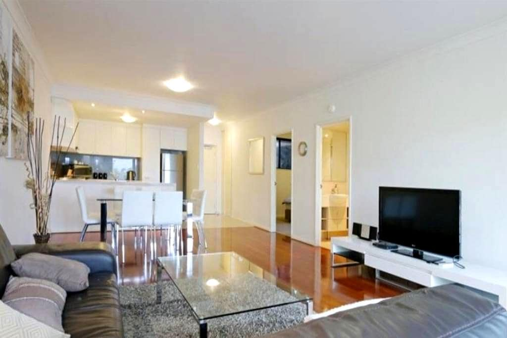 Frankly Francis - Exquisite Executive Apartment - Northbridge - Lejlighed
