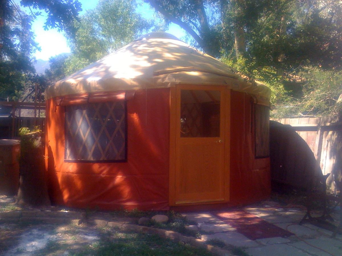 Come stay in our cozy Yurt in downtown Ojai!