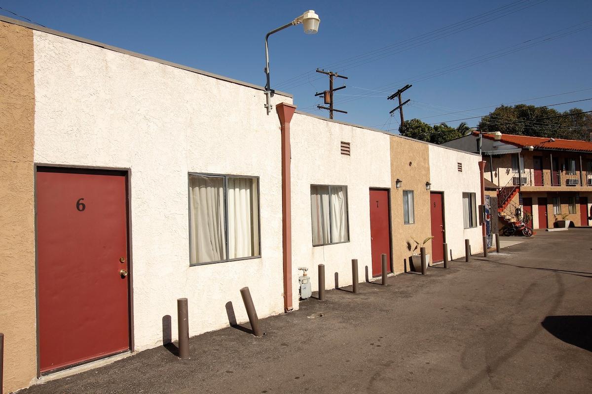 Motel fully furnished, $285 week