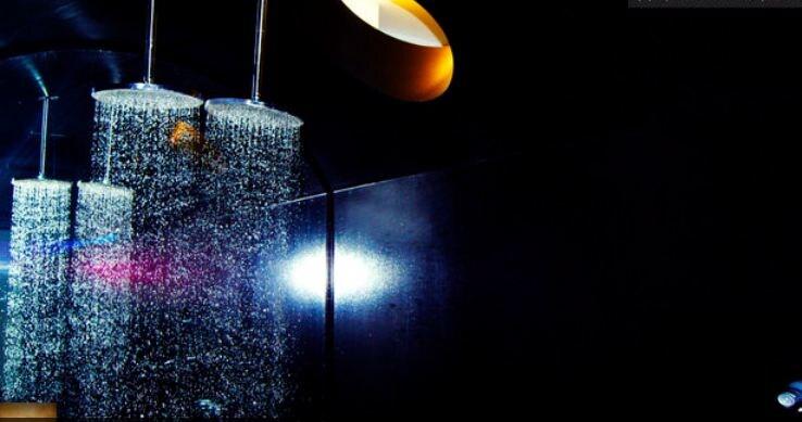 designLoft | balcony | huge shower