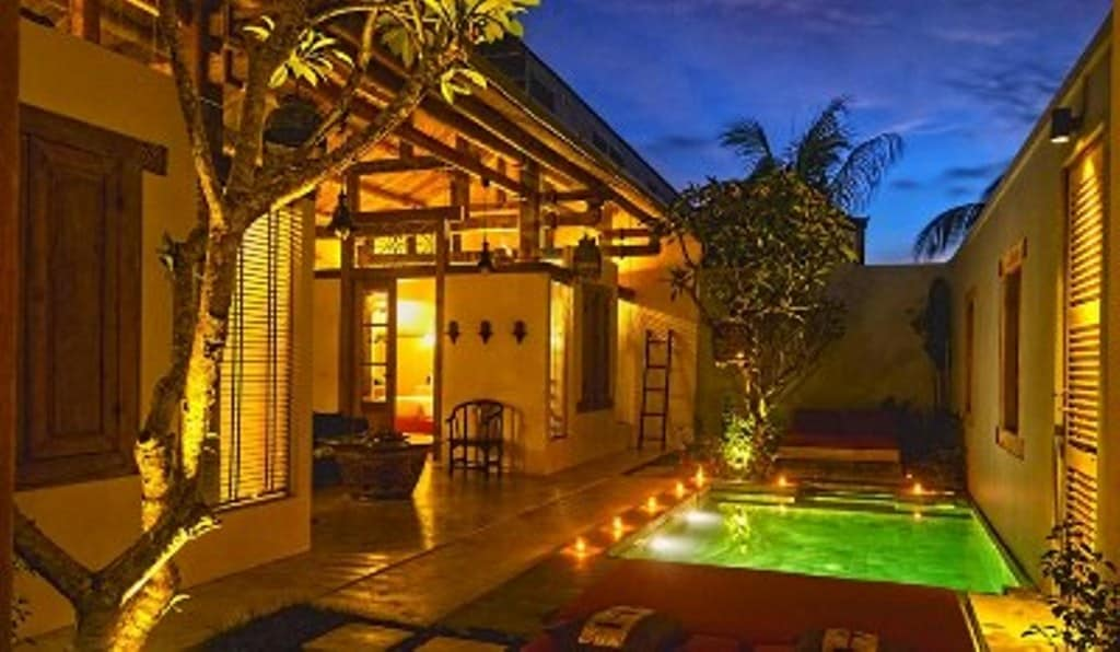 Shikumen Villa has 2 bedrooms with private swimming pool with living area opens up to the pool.