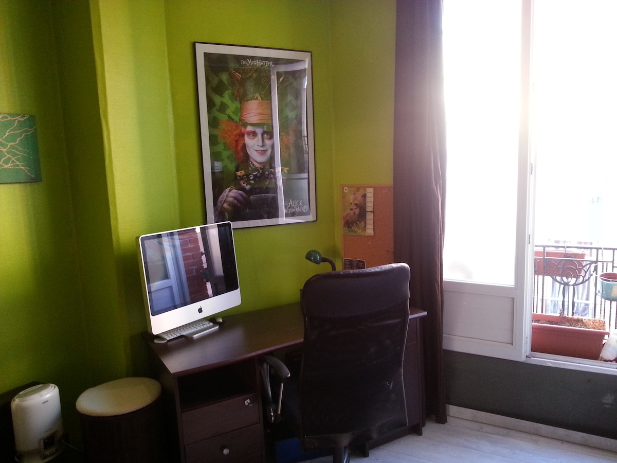 very well-furnished and calm 2rooms