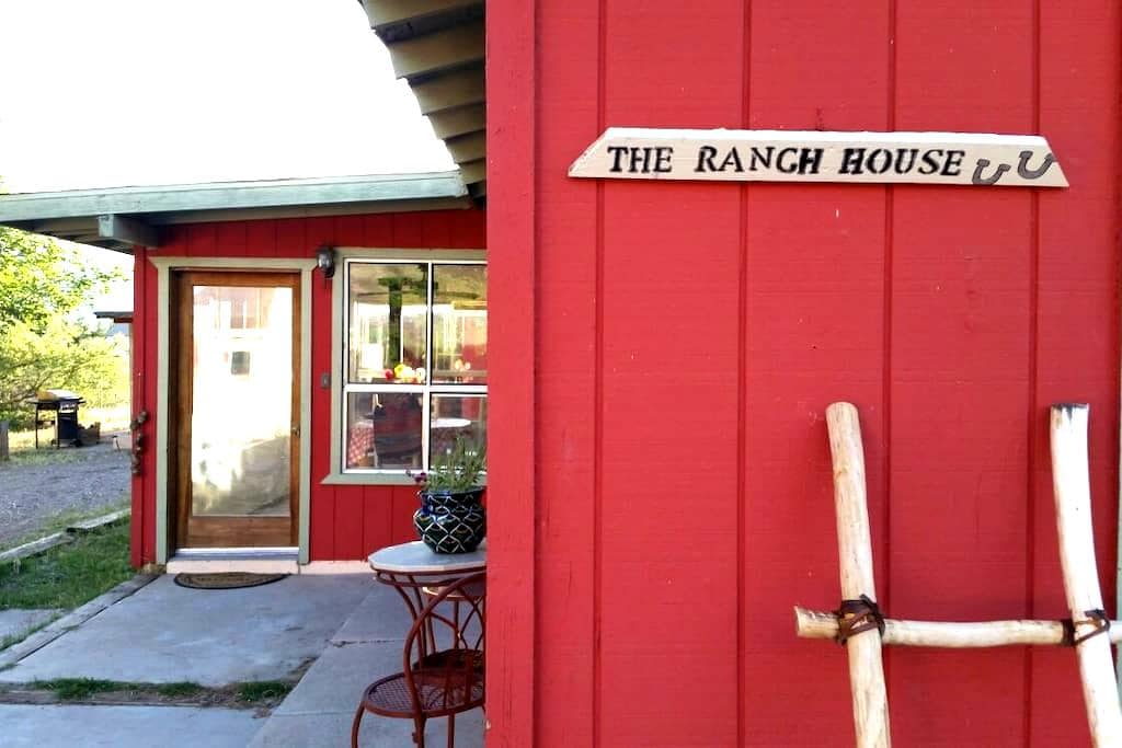 The ranch house - Camp Verde - Huis