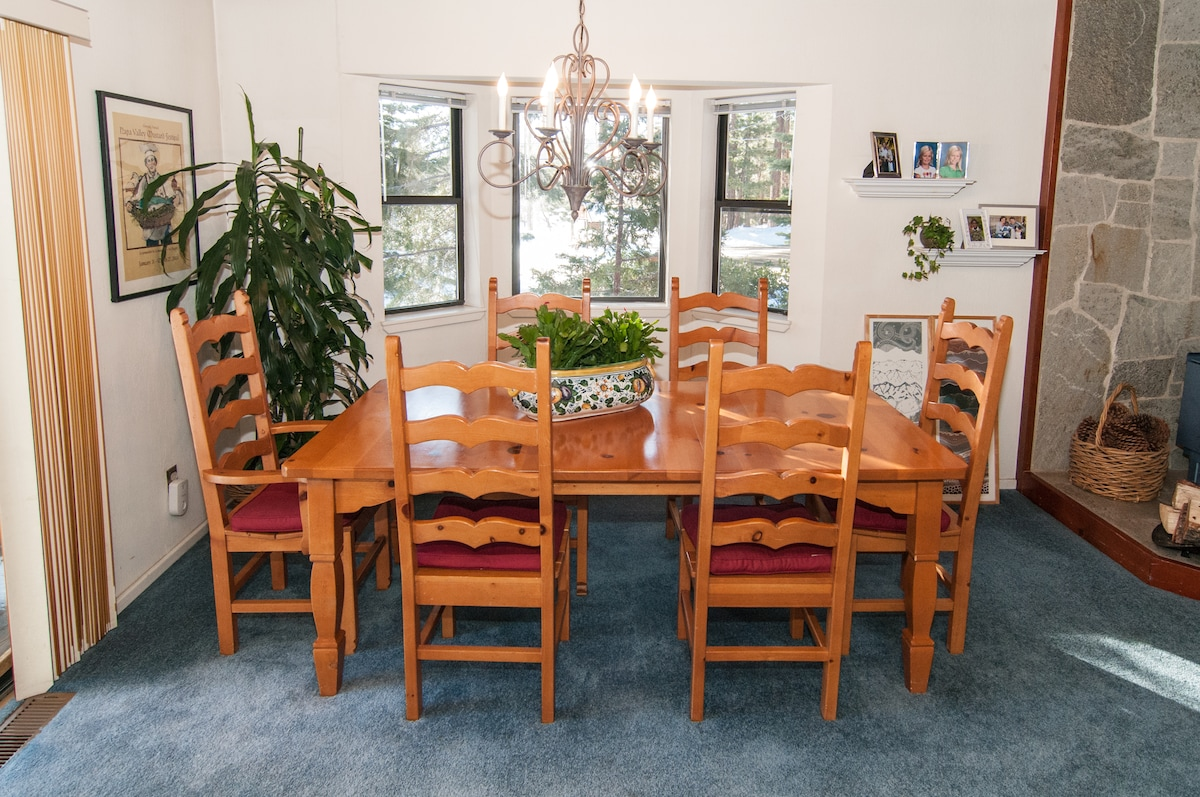 Dining table for 6-10