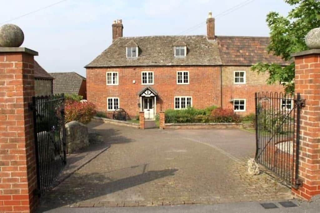 Comfy Double Room in Grade II house - Swindon - Hus