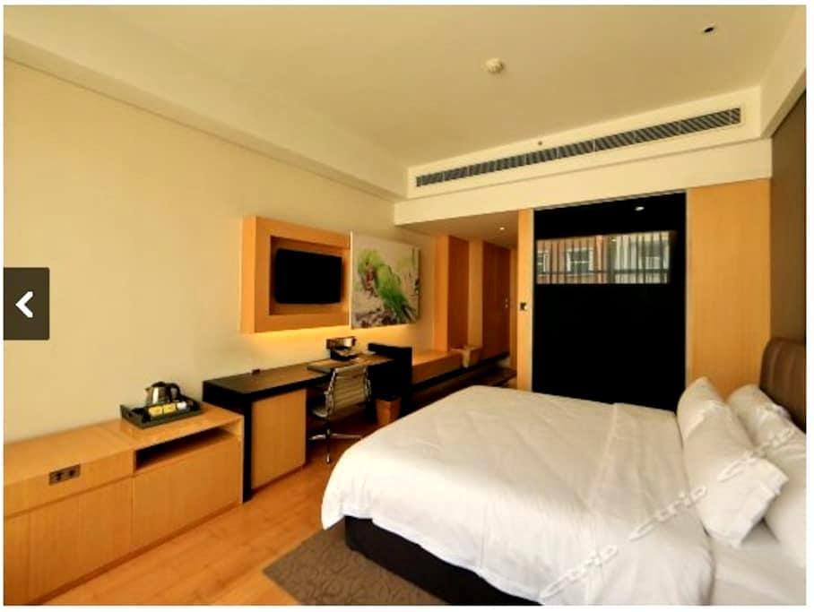 超划算  优价转让艺术主题酒店大床房及标准间 - Chengdu - Bed & Breakfast