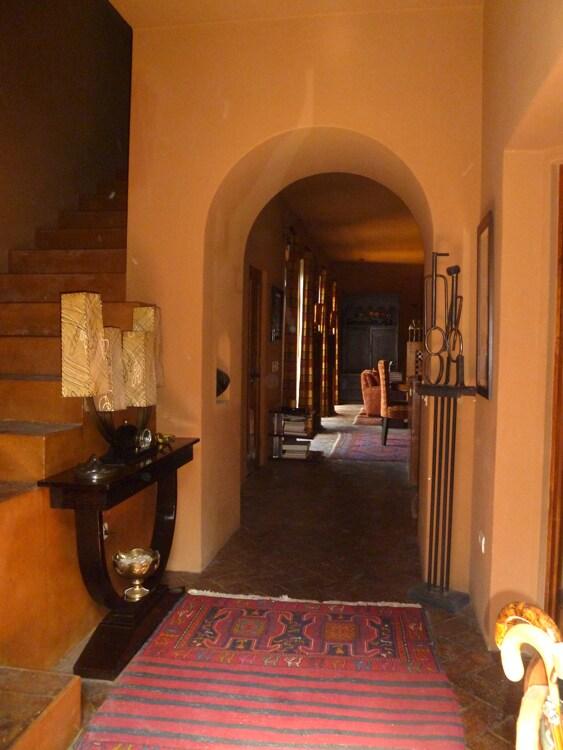 Entry way open floor plan