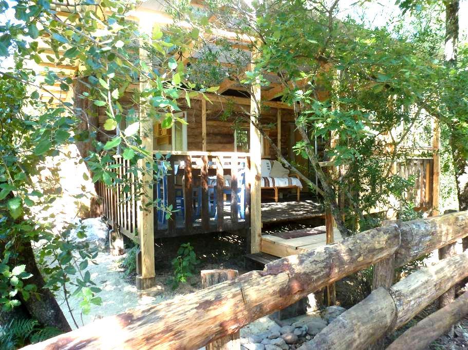 Gîte Cabane Saloon en Ardèche - Malbosc